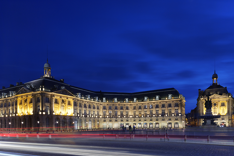 Place de la Bourse - Miroir d'eau - Bordeaux - Mickaël Bonnami Photographe - VP23 formations photo - Stage photo Bordeaux